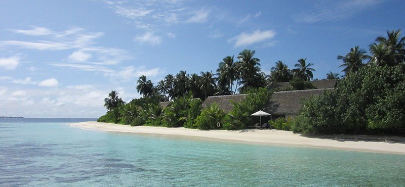 secluded beach - kandolhu island resort - luxury maldives holidays